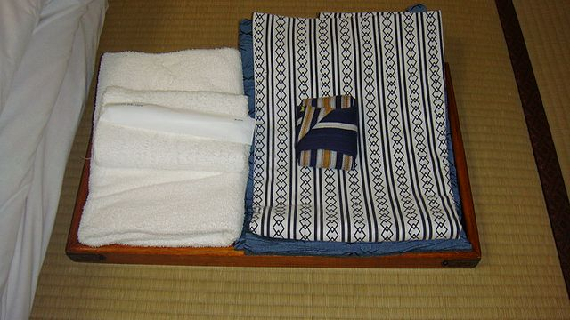 Ryokan Yukata & Towel Set - Halal In Japan
